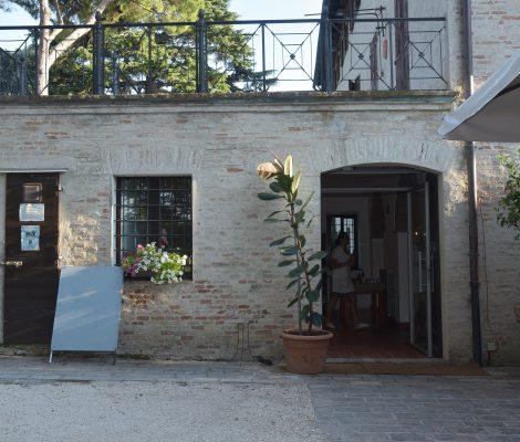 Locale Esterno Ristorante Villa Nappi Polverigi
